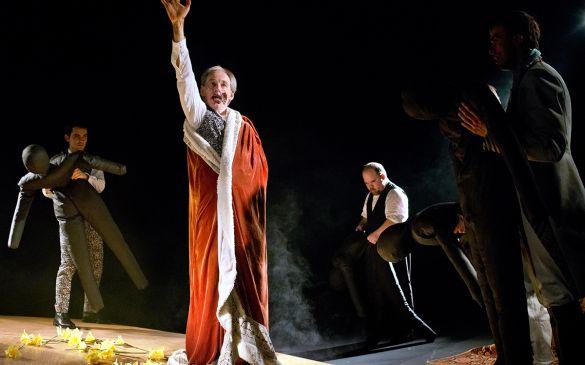 Ludwig, un roi sur la lune, mis en scène par Madeleine Louarn, texte Frédéric Vossier